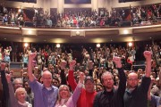 The Do the Math audience in Columbus, Ohio poses with Bill McKibben. (Flickr / 350)